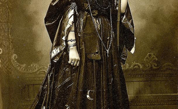Victorian Moonlore